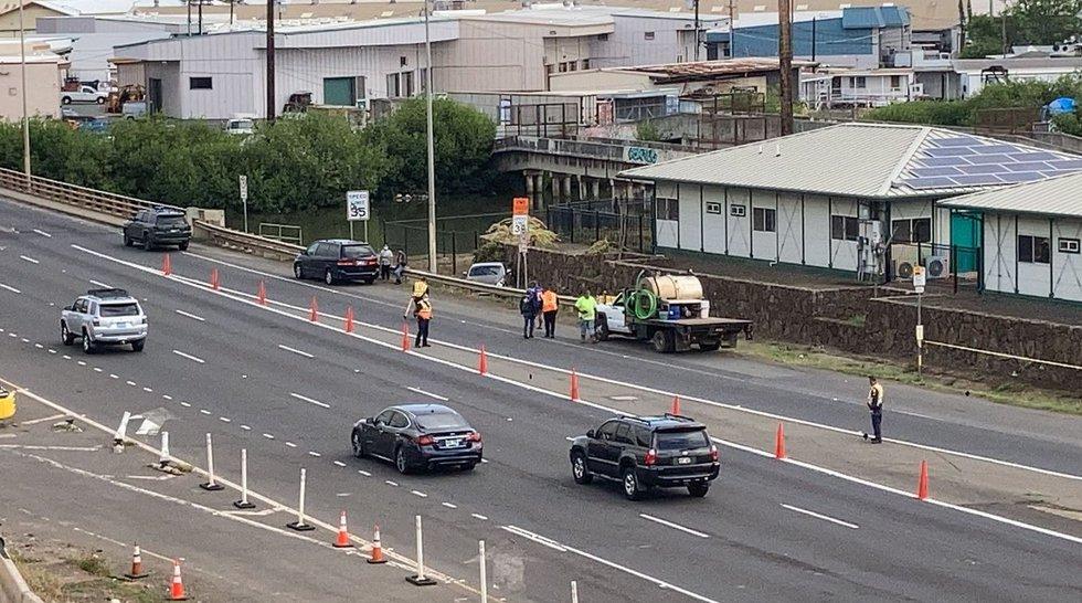 Man killed after driver veers off road along Nimitz Highway - Hawaii News Now