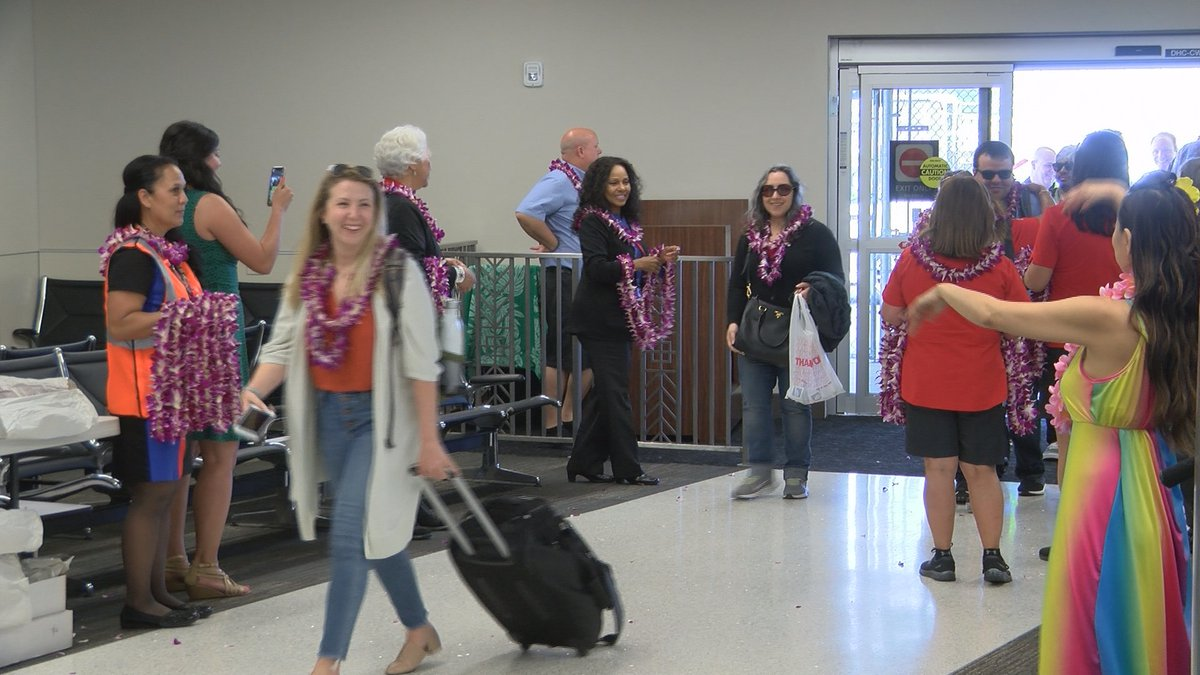 Hawaii's first Southwest passengers landed at HNL Sunday afternoon.
