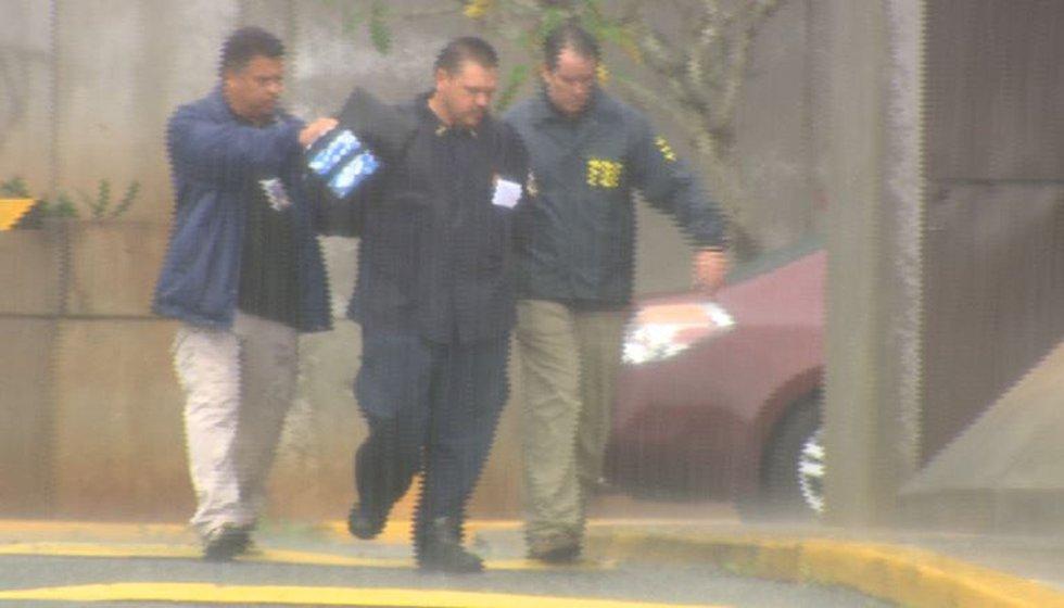 Halawa prison guard Mark Damas' arrest in 2014