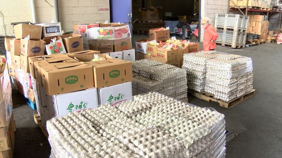 Pallets of eggs, vegetables and other goods were given out Saturday in Mapunapuna.