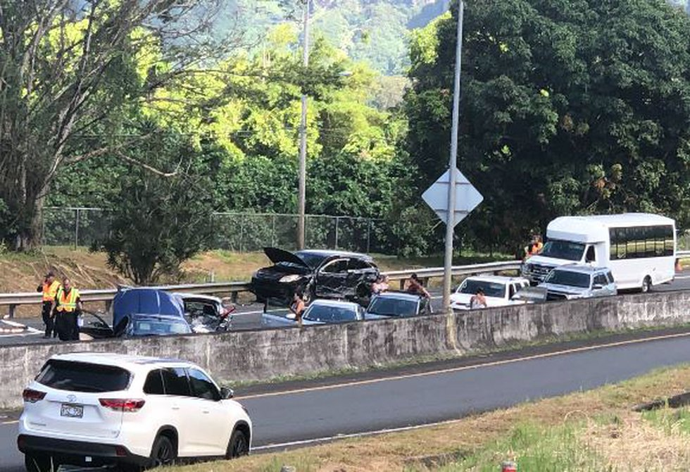 At least 12 cars were damaged Wednesday in a crash in Windward Oahu. (Image: Hawaii News Now)