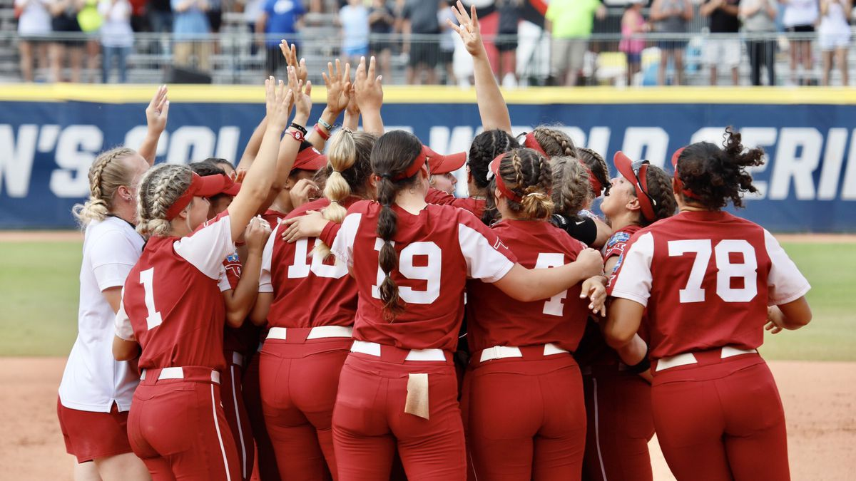 The Oklahoma softball team advanced to the 2021 Women's College World Series on Monday after a...