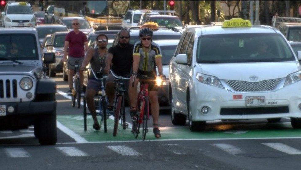 bike box (image: Hawaii News Now)