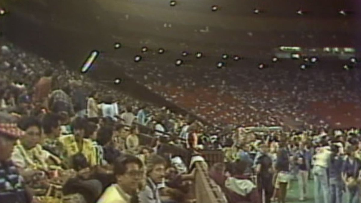 Crowds gather for a Stevie Wonder at Aloha Stadium in 1982.