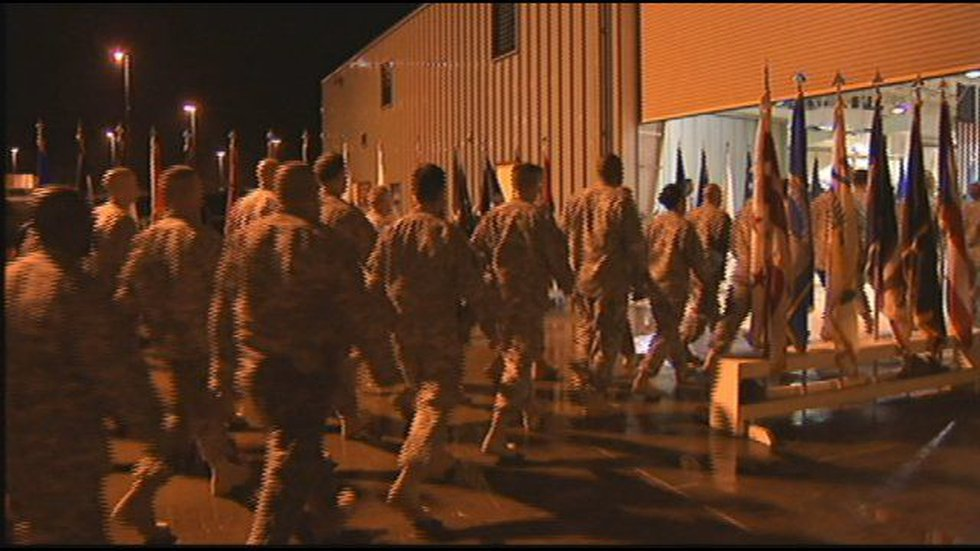 Members of the 25th Infantry Division returns