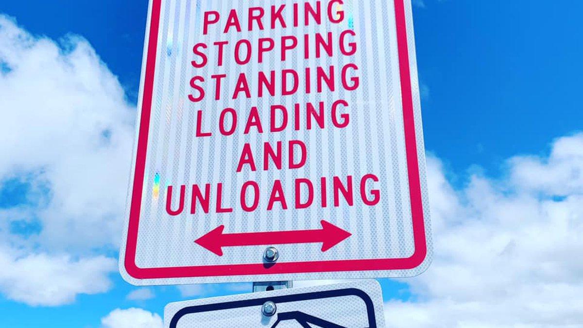 DOT installs no parking signs at Mauna Kea.
