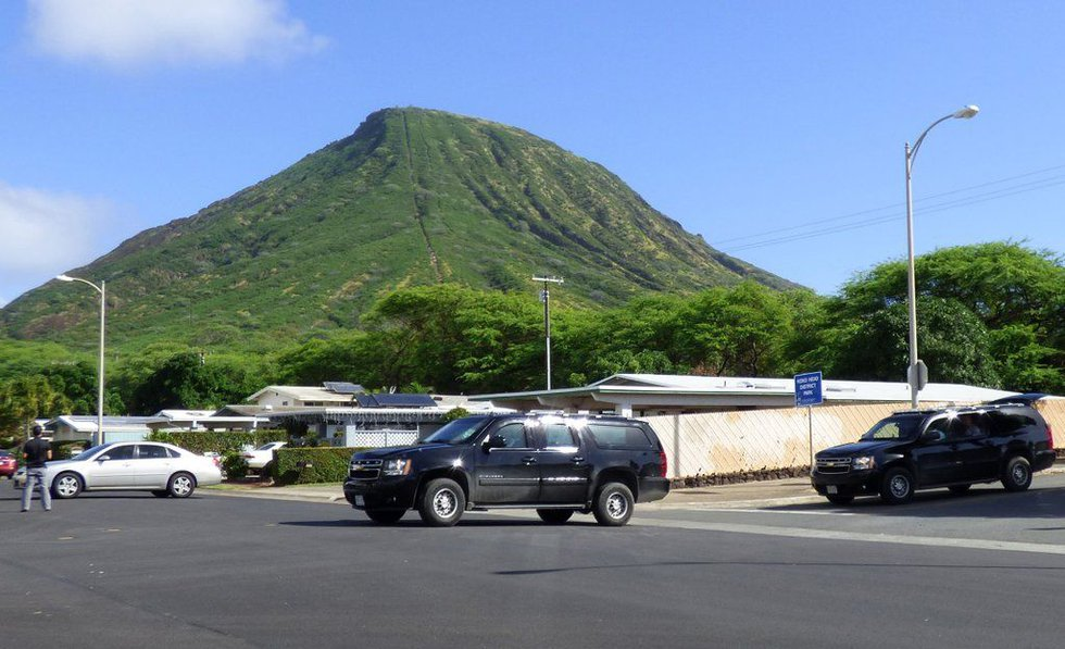 The president's convoy leaves Hawaii Kai on Tuesday afternoon. Photo Source: @ObamaHawaii/Twitter