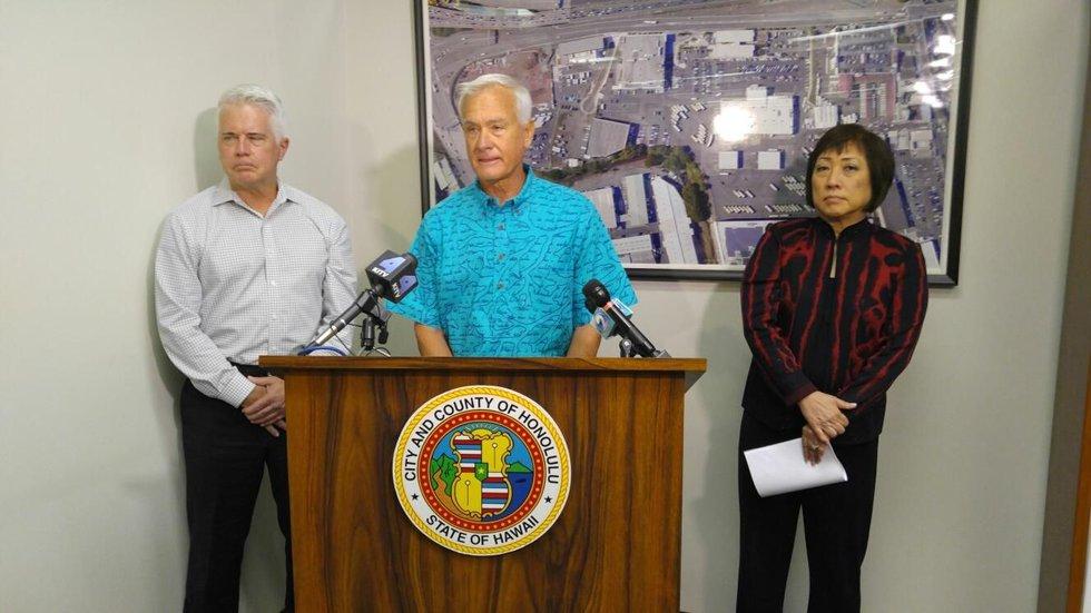 Honolulu Mayor Kirk Caldwell announces Horner's resignation (Image: Hawaii News Now)