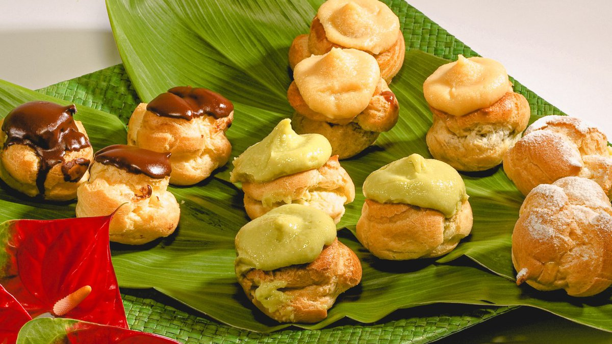 Coco and Green Tea Puffs from Liliha Bakery