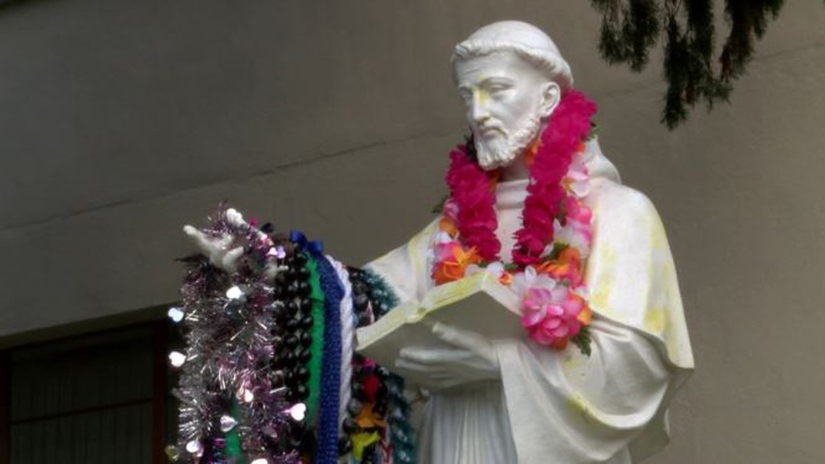 St. Francis School in Manoa is facing closure if it can't boost enrollment in the new school...