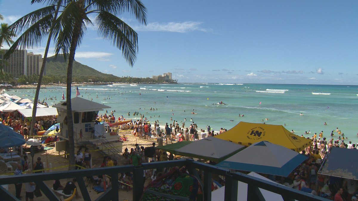 The MacFarlane Regatta in Waikiki on the morning of the Fourth of July. (Image: Hawaii News Now)