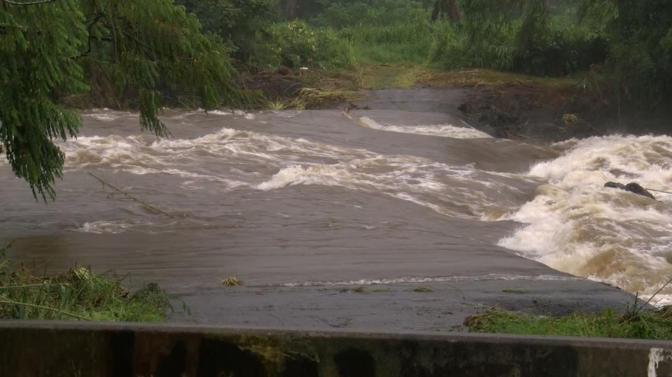 Residents are trying to dry out as rains finally begin to slow down in Hilo. (Image: Hawaii...