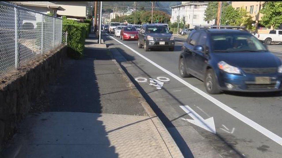 designated bike lane (image: Hawaii News Now)