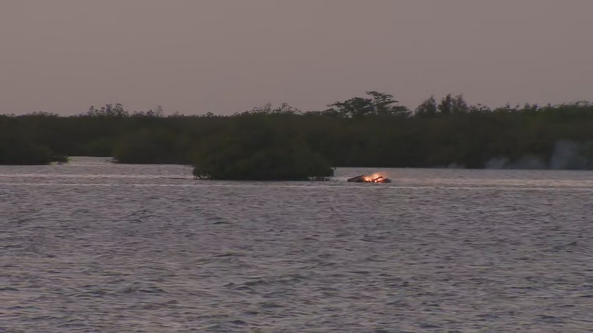 Nearly a dozen fire personnel responded to a boat fire in Keehi Lagoon (Image: Hawaii News Now)