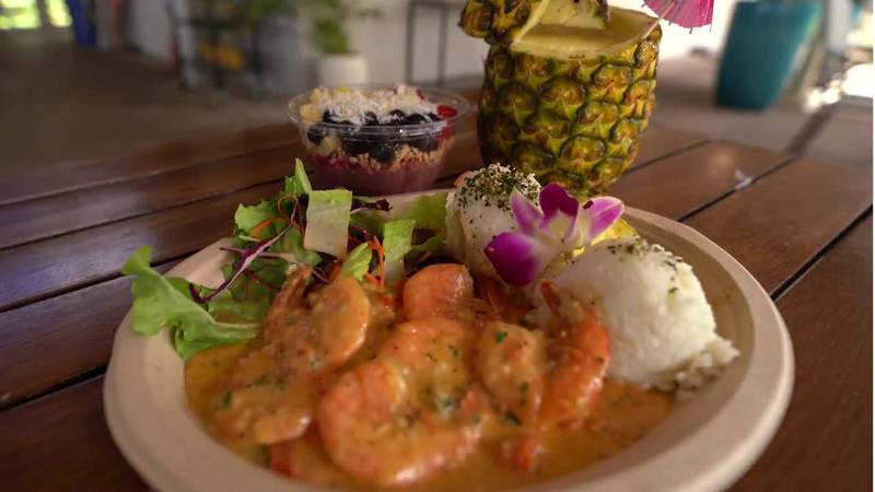 美味しいハワイの食事と素晴らしい景色を同時に楽しみたいなら、こちらがおススメ!!ベアフット・ビーチ・カフェ!!ワイキキ水族館すぐ近く! Do you want to enjoy great...