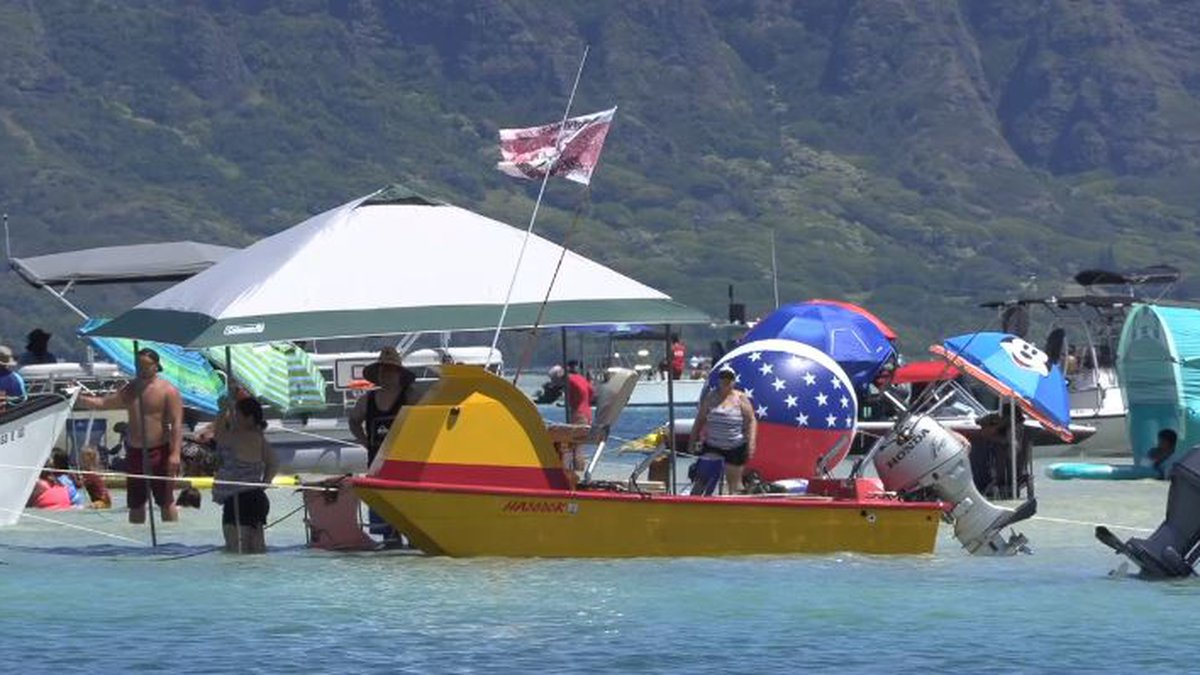 An estimated 80 boats were at the Kaneohe Bay sandbar on Sunday.