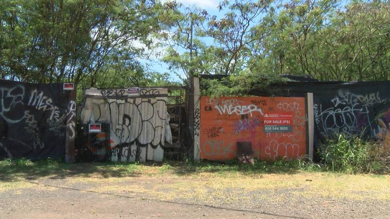 The city hopes to buy this property along the Pearl Harbor Bike Path.