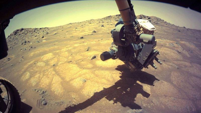 NASA's Mars 2020 Perserverance rover is sending back amazing images from the Red Planet. The...