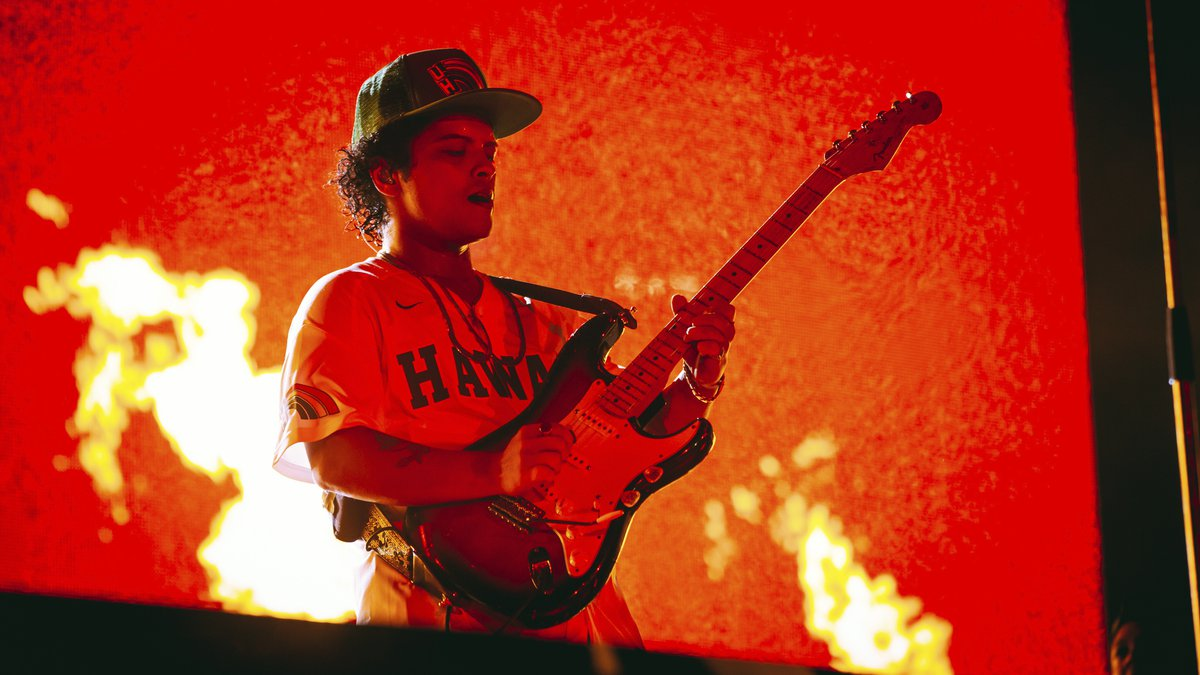 Bruno Mars will take to the stage Sunday night for his final performance in Hawaii for his 24K...