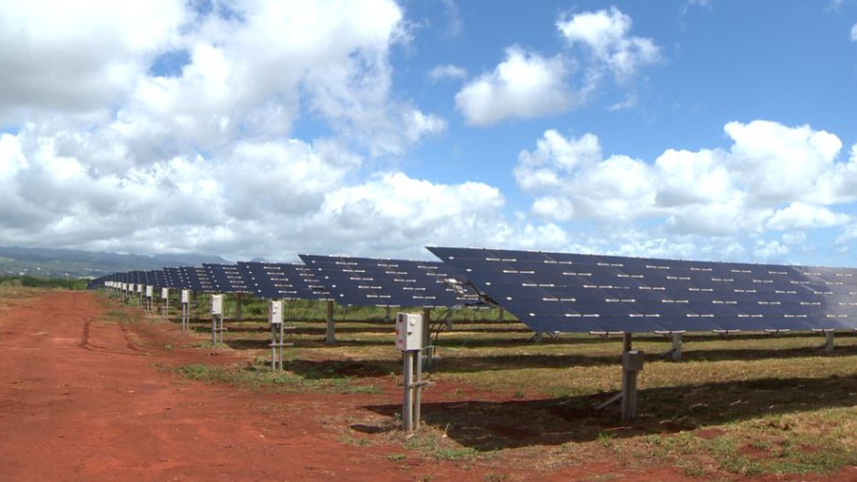 The massive projects will produce loads of clean energy for Hawaii homes.