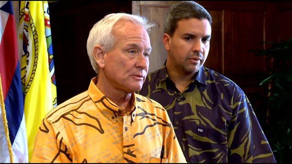 Honolulu Mayor Kirk Caldwell (on left)