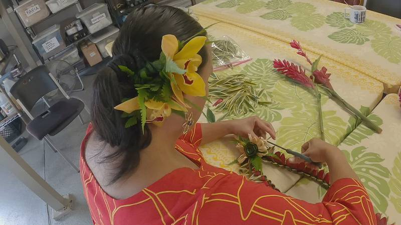 After five generations, a Hilo lei stand proved its resiliency in a tough year.