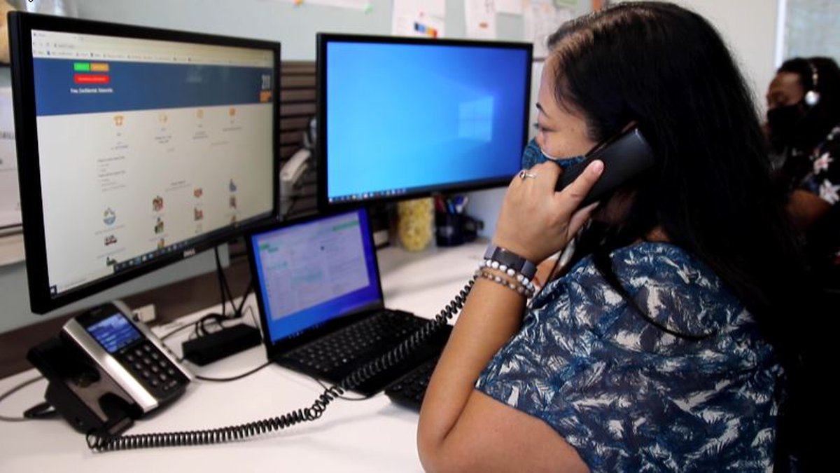Aloha United Way specialists provide assistance on an array of matters.