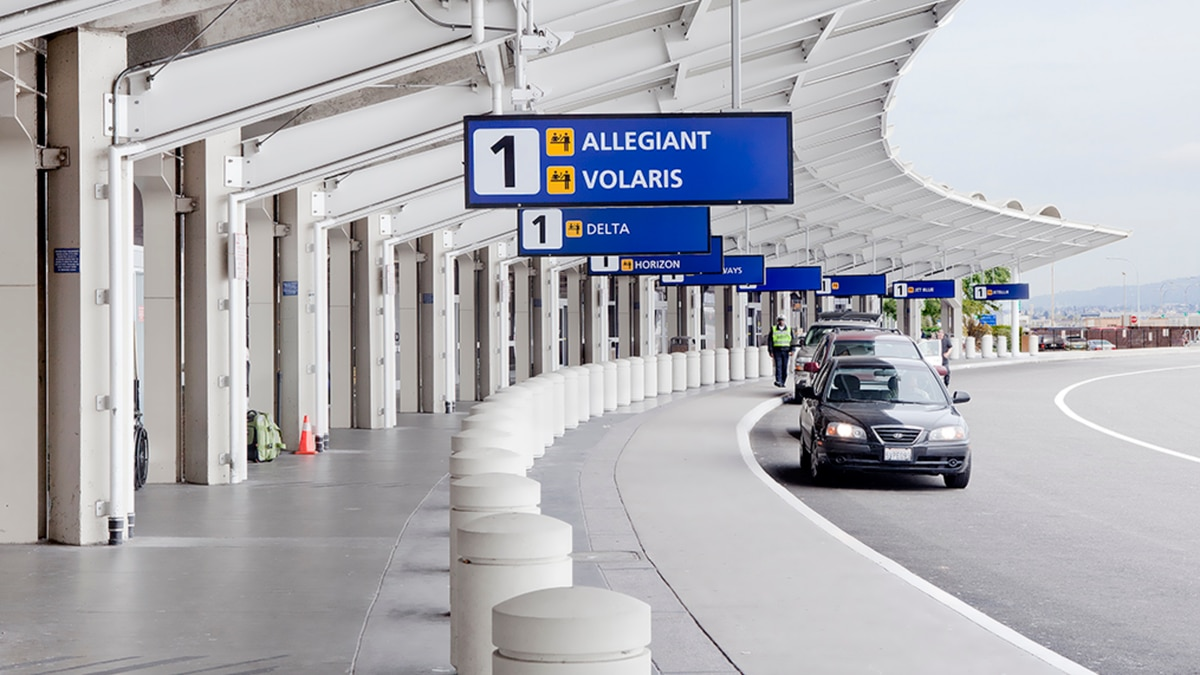 Oakland International Airport to give out free COVID-19 test.