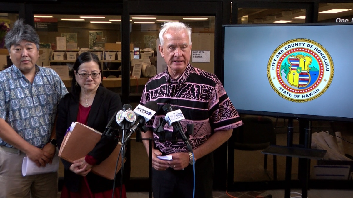 Mayor Kirk Caldwell held a press conference Thursday to discuss the letters.