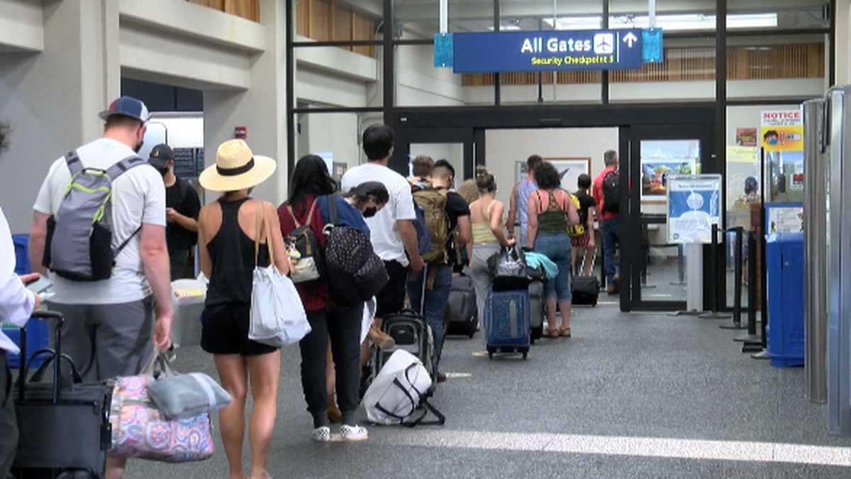 New Hawaii Tourism Authority figures show Hawaii saw more than 484,000 visitors in April.