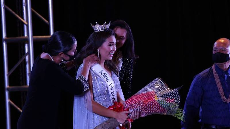 Miss Hawaii Courtney Choy crowned Saturday night at the Ala Moana Hotel.