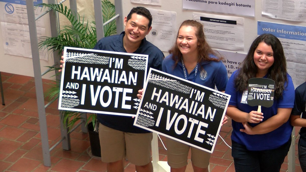 Seniors at Kamehameha Schools cast their votes Friday. (Image: Hawaii News Now)