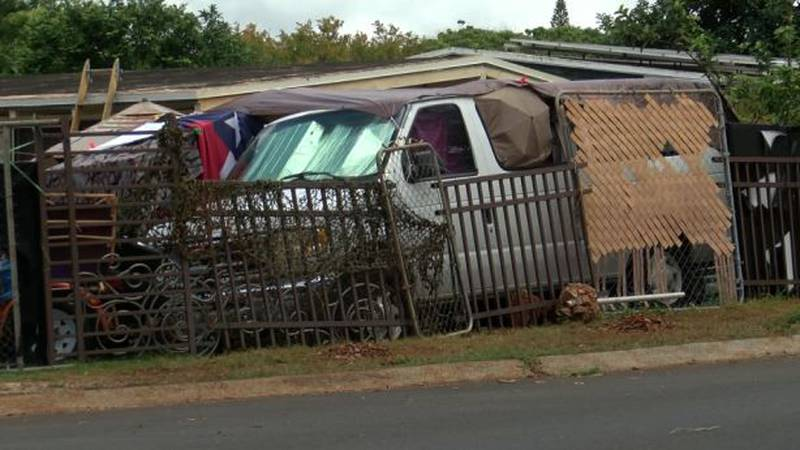 A neighborhood in Pearl City is hopeful that what they call a hoarder house will be cleaned up.