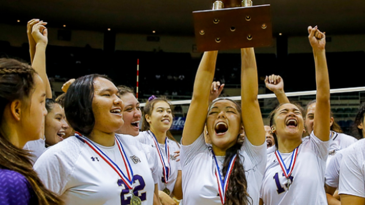 The Damien Monarchs swept Waimea Saturday night to capture the Division II girl's state...