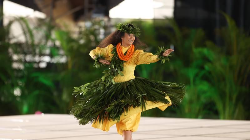 Ashley Kilioulaninuiamamaohoʻopiʻiwahinekapualokeokalaniākea Lai (2021 Miss Aloha Hula Kahiko)....