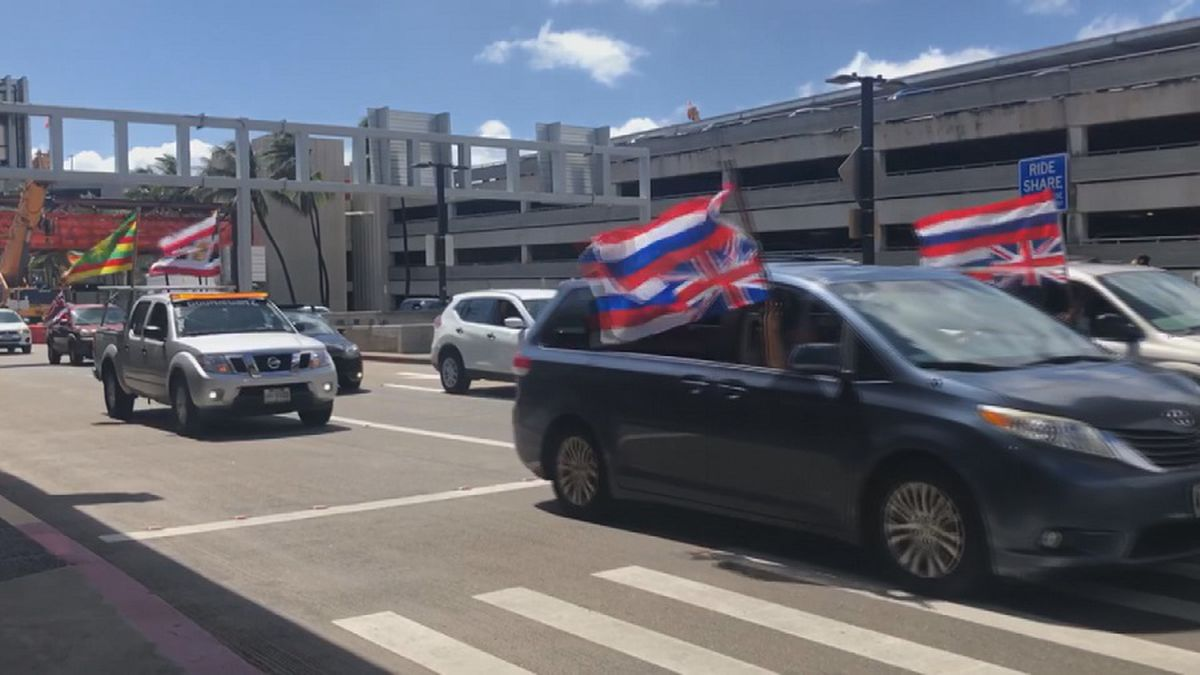 """HPD says it has received """"numerous"""" complaints about flags and large banners on vehicles."""