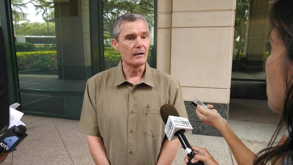Don Horner speaks to reporters after resigning from the HART board. (Image: Hawaii News Now)