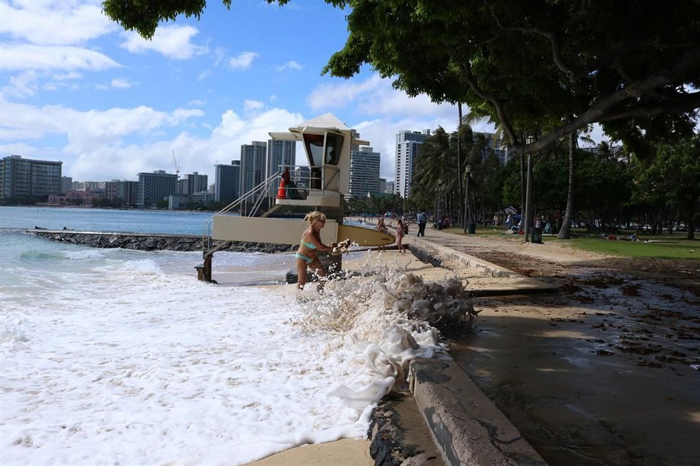 Waikiki beach during king tides (Image: Hawaii News Now)
