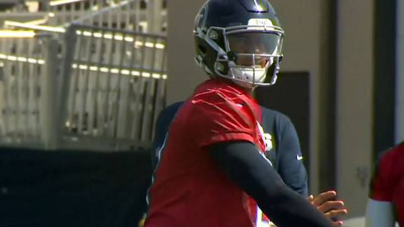 Mariota's Motiv8 foundation is part of an initiative to supply 1,000 free meals a day for local...