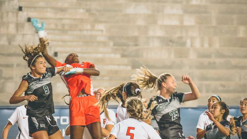 The Rainbow Wahine soccer team lost a tough match to Cal State Fullerton, 1-0 on the road...