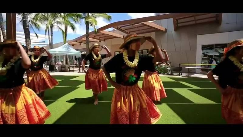 Halau Hula 'O Hokulani Na Kumu Hula ehaulani Kawai & Leonani Naho'oikaika
