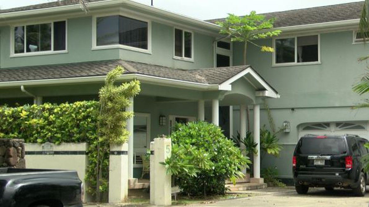 The 6-bedroom home has $1.5M in fines but the city doesn't appear to be collecting.